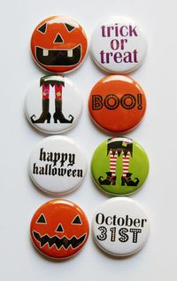 Chipboard mini albums - Shelley's flair buttons - Kids' Halloween
