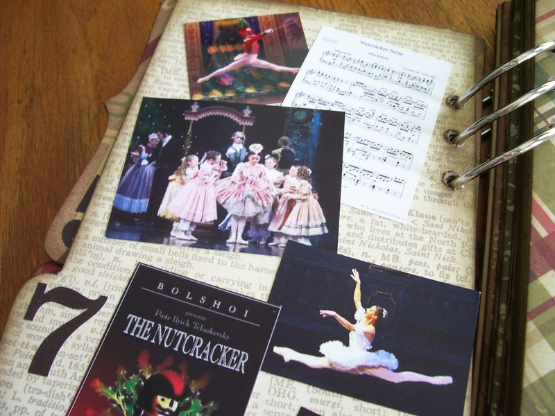 Chipboard Mini Albums - Christmas Countdown the Nutcracker pg