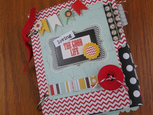 Chipboard mini albums The Good Life Kit - cover